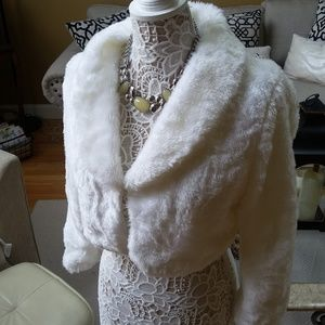 GORGEOUS White FAUX Fur BOLERO SZ L